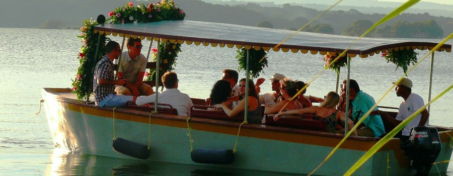 Wedding parties at Zopango Island!